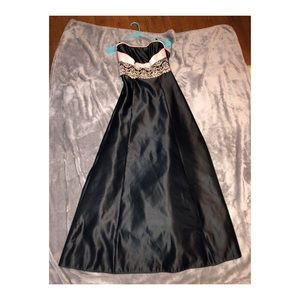 Black statin dress worn once for prom